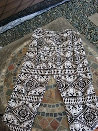 white and black tribal print pants Nanaimo, V9R 1S4