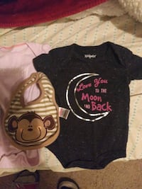 2 newborns outfits, 2 0-3 months outfits, 2 Hats, 3 bibs.  Montgomery, 36116