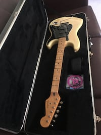 Dan Smith Fender Stratocaster Burke, 22015