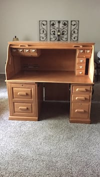 Brown wooden single pedestal desk Miller Place, 11764