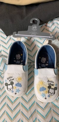 Disney mickey mouse shoes Baltimore, 21234