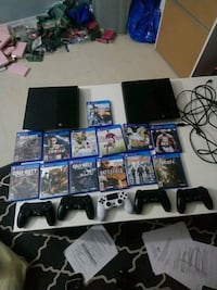 2 ps4 5 controllers and games Mississauga, L5H 1H3