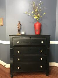 Antique empire chest of drawers  Remington, 22734