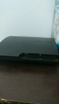Ps3 with controls and games Ventura, 93001
