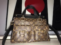 BRAND NEW, NEVER USED $1,400 LOUISE VUITTON BAG. ONLY ASKING 850! Thiells, 10984
