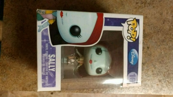 Funko pop disney sally