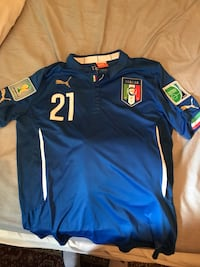 Andrea pirlo Italy jersey World Cup patch on arm (size L) Toronto, M4X 1G7