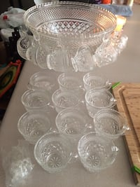 Glass punch bowl with 17 cups and hooks Greenville, 28590