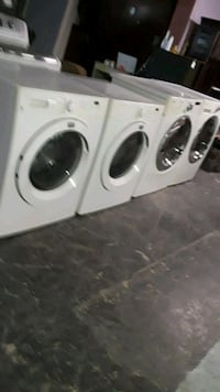 Frigidaire. Washer And dryer set
