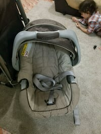 baby's gray and black car seat carrier Brooklyn, 11218