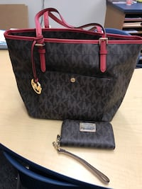 black and red leather Michael Kors tote bag with wristlet