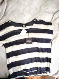 NWT. Nordstrom top. Ladies large. Owings Mills, 21117