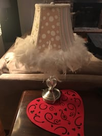 lamp w/ feathers & crystal ball base Mentor, 44060