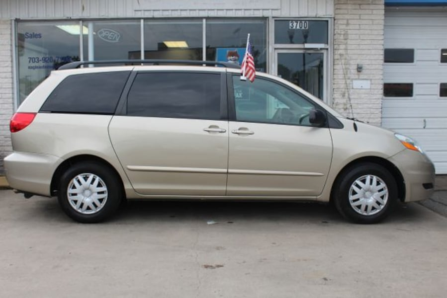 Used 2010 Toyota Sienna for sale 5ee4a6cf-c78c-41f7-94f4-74acbe1a49fc