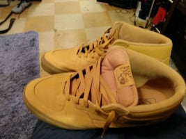 Shoes Vans barely used halfcab sz 13 call  [TL_HIDDEN]