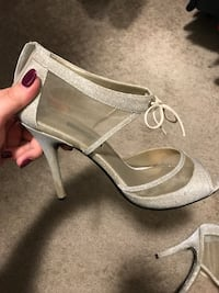 pair of gray leather open toe ankle strap pumps Wilmington, 01887