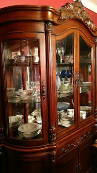 Gorgeous dining room set with China cabinet!! Cypress