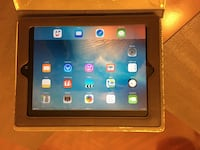LIKE NEW SILVER IPAD2 WITH CASE Schaumburg, 60193