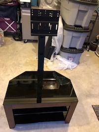 TV stand up to 36 inch TV Lorton, 22079