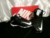 Nike mens size 7.5 brand new