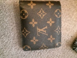 Luis Vuitton wallet
