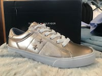 Tommy Hilfiger brand new sneakers !  Montréal, H1N