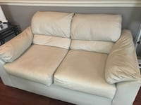 White leather type 2 cushion sofa New Orleans, 70122