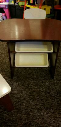 Kids table and chairs Dollard-Des Ormeaux, H9B 3E4