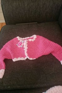 pink and white knitted sweater Markham, L6B 1B5