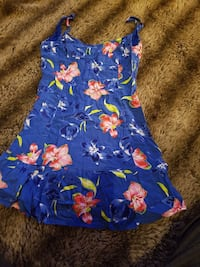 blue and red floral spaghetti strap dress womans Winnipeg, R3E