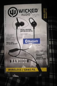black Wicked Audio Bandido Bluetooth earbuds box Waterloo, N2T 1G3
