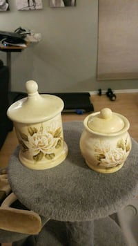 two white and green floral ceramic jar with lids Stafford, 22554