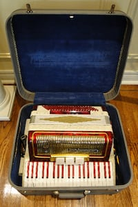 **Vintage Red and Gold Camerano Accordian** 558 km