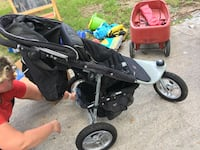 Valco baby stroller with Joey seat, tray, cup holders, rain cover and spf/ mosquito net Savannah, 31406