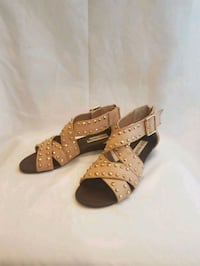 Steve Madden studded leather sandals - sz 5.5 Kitchener, N2E