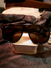 black framed Ray-Ban sunglasses Waterloo, N2K 3N6