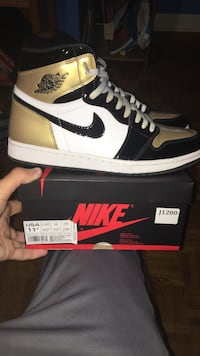 Jordan 1 gold toe black and white air jordan 1 shoe with box Vaughan, L4H 1P9