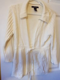 size med sweater $8 Central Okanagan