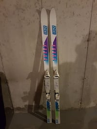 pair of white-purple-green-and-blue snow ski blade 3119 km