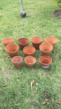 10 small ceramic pots