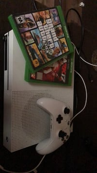 Xbox1 with grand theft auto 5 and nba 2k17 Anderson, 29621