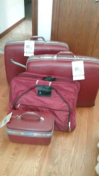 4 PIECE TRAVELING LUGGAGE  WHEELS  & HANDLE  BRAND NEW NEVER USED
