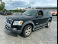 2006 Ford Explorer xlt 4wd 3rd row seats LOW MILES  Laurel