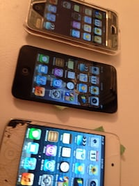 iPod  8GB in Working condition each for the white one sold Toronto, M1S