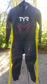 Wet Suit Full Sleeve TYR Hurricane C5 Men's M/L New with Tags