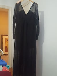 women's black v-neck long-sleeved maxi dress Surrey, V3S 3J4