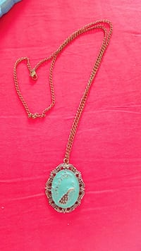 Beautiful pendant with chain  Solna