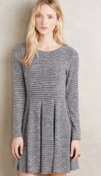 Dolan Left Coast Collection (grey knit striped piper pleated long sleeve) sm/med Vancouver, V6E 2E5