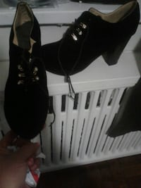 Size 47/11 comfortable laced heels Toronto, M1N 1N9