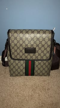 Brown and black Gucci leather crossbody bag Edmonton, T5X 2X6